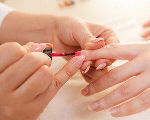 manucure dépose + soin des ongles